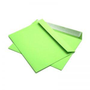 Конверт зеленый, С4 229х324 мм, отрывная лента